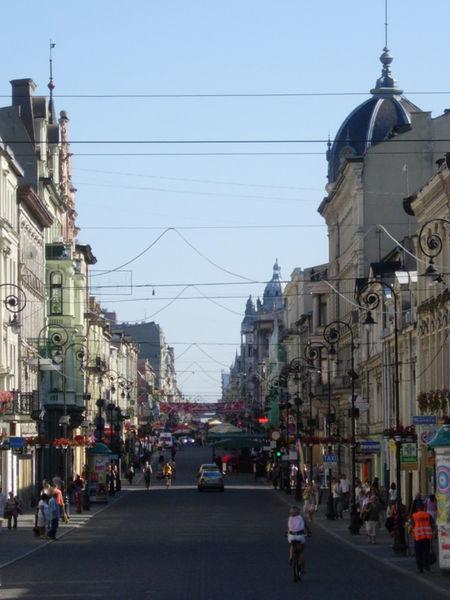 Piotrkowska, very nice shoppingstreet.