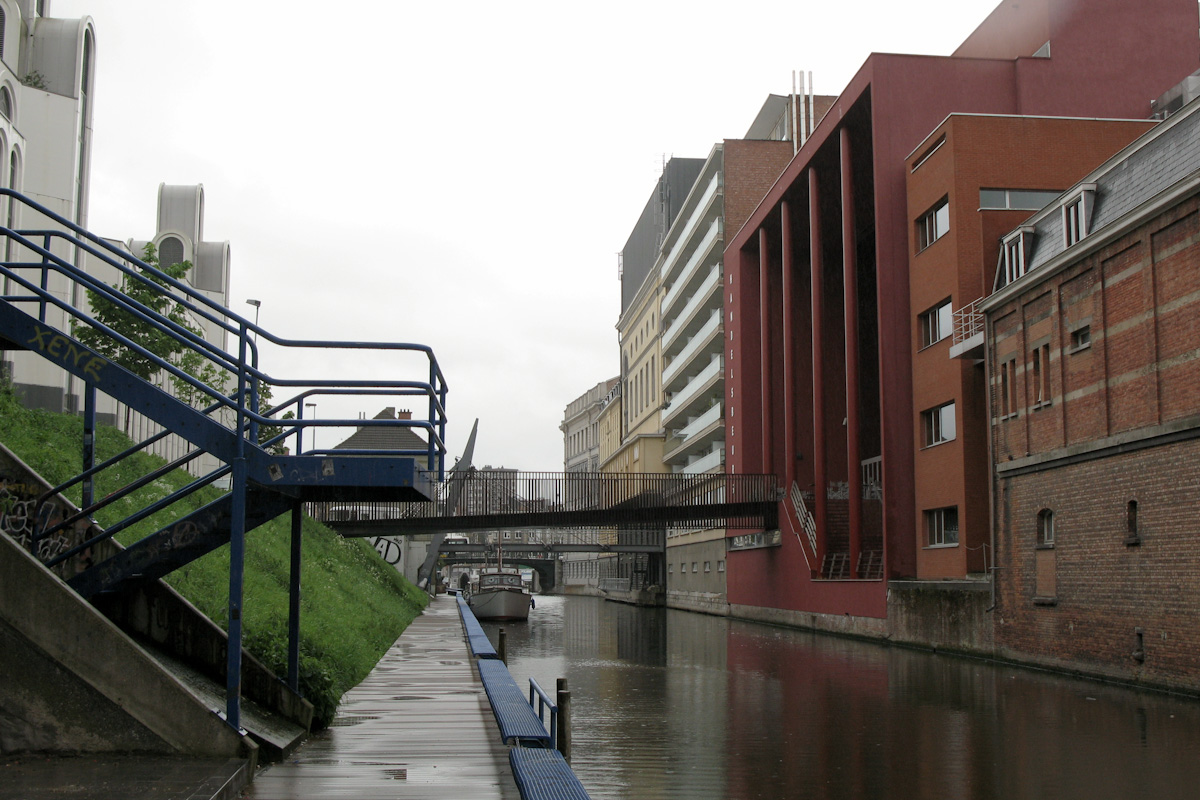 Ketelvest canal. Concert Halls of Flamish Opera and Handelsbeurs in the background.