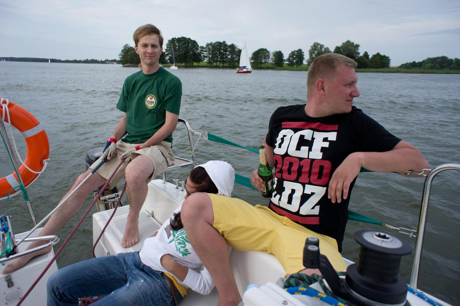 Bronek, Łukasz & Paula op Tałty meer, Mazurië, Polen