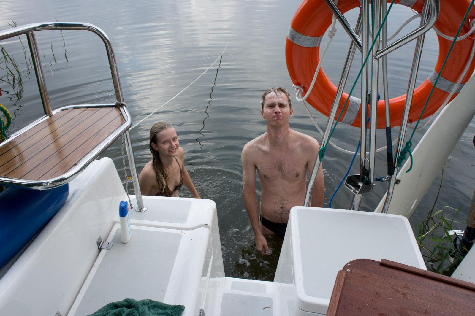 Hanne & Bronek aan het baden