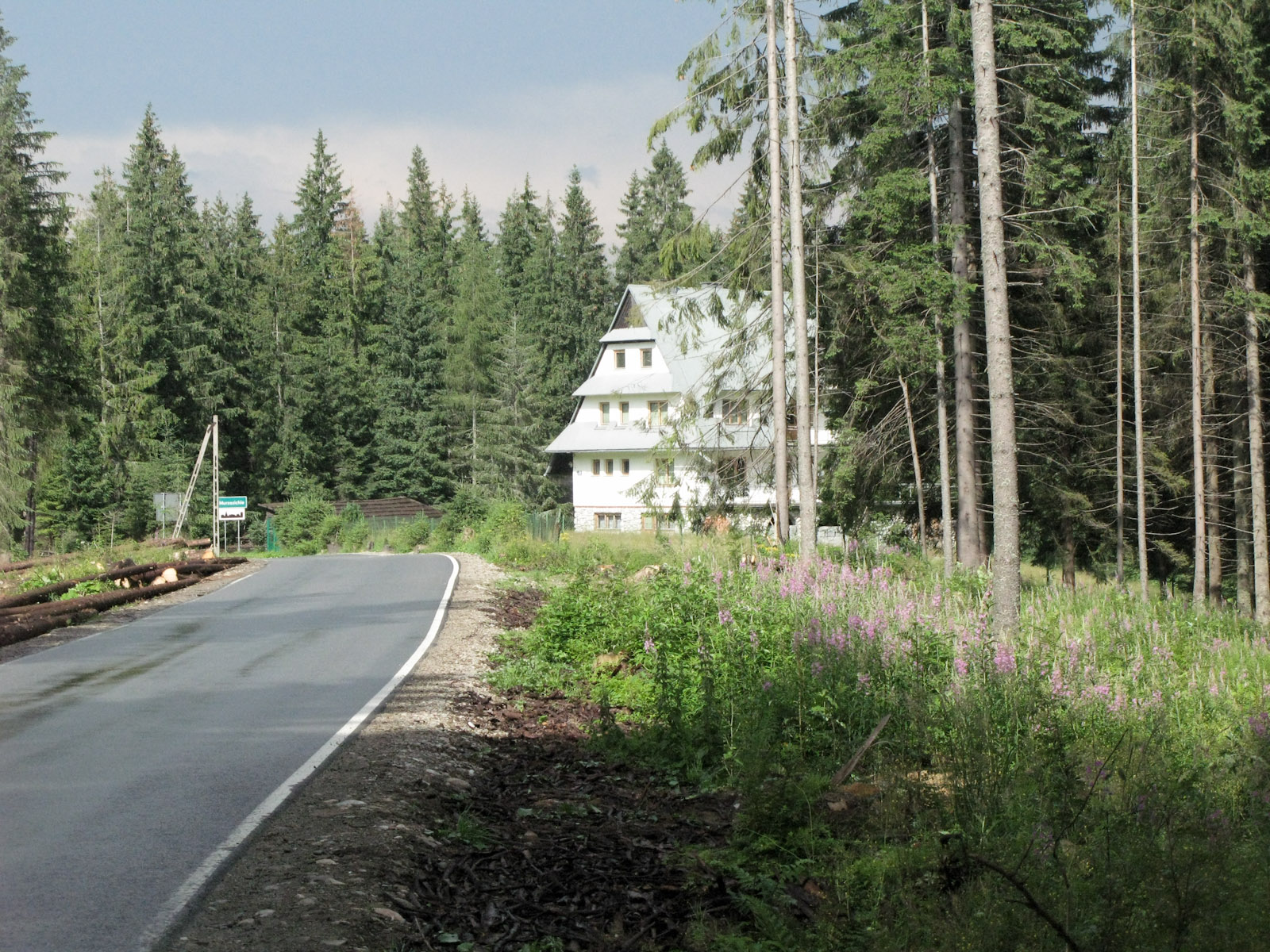 entering Murzasichle village
