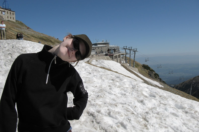 Hanne with the upper lift station on Kasprowy